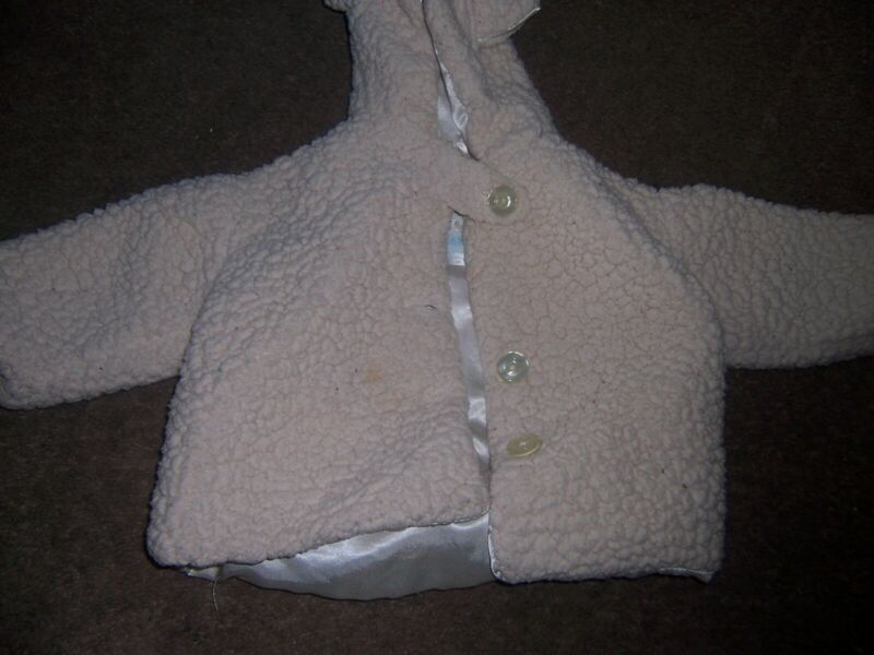 Bearington white baby coat size  6-12 months  euc