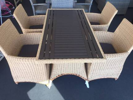 5-Piece Outdoor Dining Set Campbellfield Hume Area Preview
