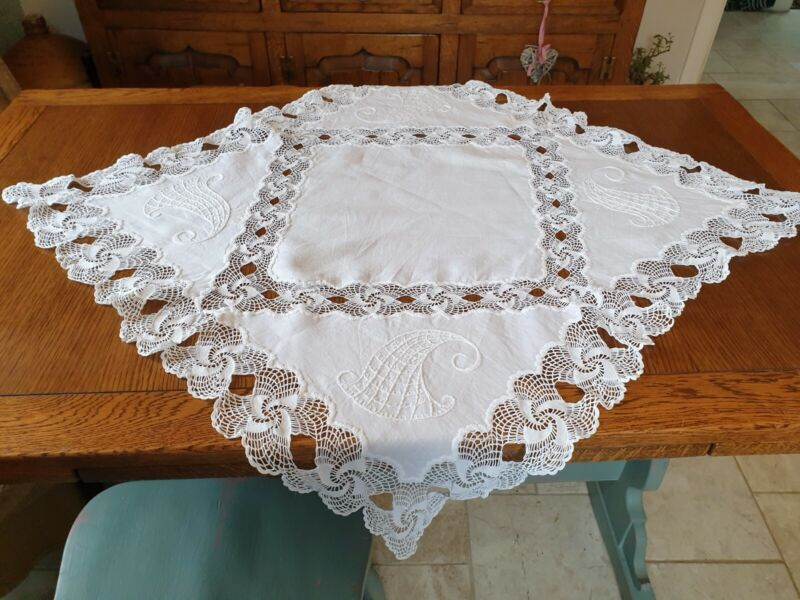 """Vintage Pretty Crochet Lace Embroidered Square Tablecloth 31"""""""