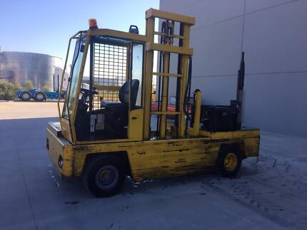 Forklift side loader