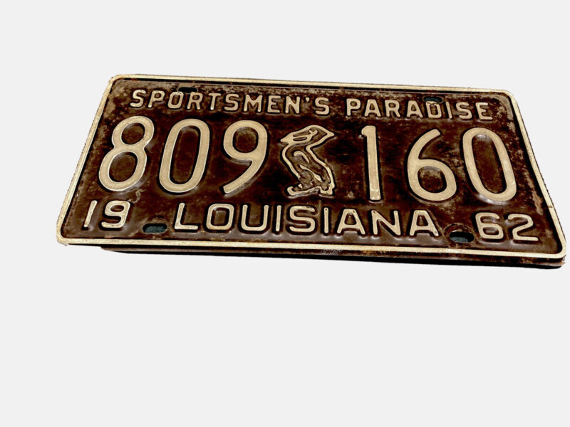 Vintage1962 Brown Louisiana License Plate w/ Pelican and White Letters Lettering