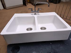 French Farmhouse Double Sink Carrum Downs Frankston Area Preview