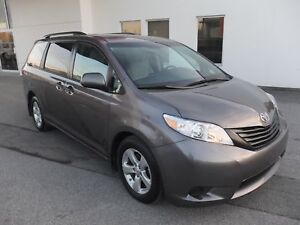 2016 Toyota Sienna LE A/C MAGS CAMERA DE RECUL
