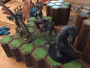 Heroscape figurines plateau dungeon dragon