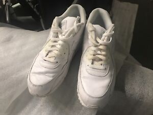 Used Nike Max Air white shoes size uk12  Cash pick up