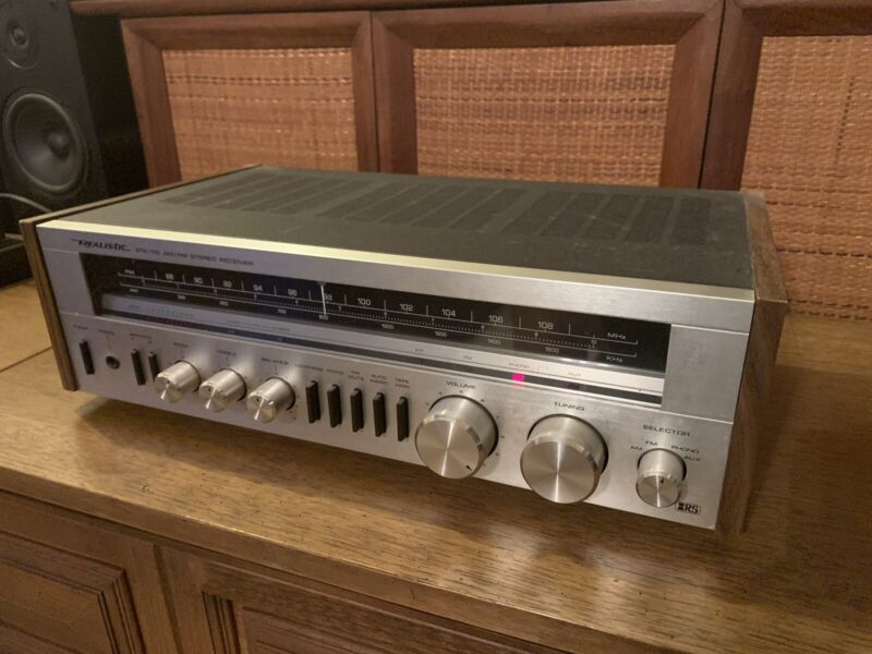 1982 Realistic STA-110 Stereo Receiver 22 Watts/Channel - Very Clean !
