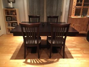 Geddes dinning table and 8 chairs