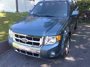 2011 Ford Escape XLT AWD 6cyl Leather heated seats