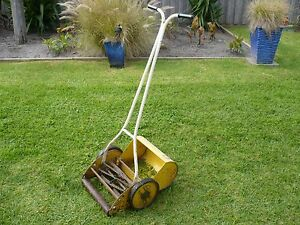 POPE HAND LAWN MOWER - OLD !! Chelsea Kingston Area Preview