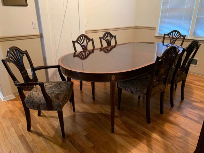 """Stickley Mahogany Monroe Place Dining Set: Table, 6 Chairs, 2 16"""" Leaves, Pads"""