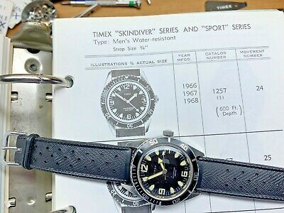Vintage 1967 Timex 600 Ft. Skin Diver Hand Wind Watch - 1257-2467 Serviced