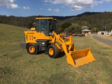 BRAND NEW ARTICULATED FRONT END LOADER