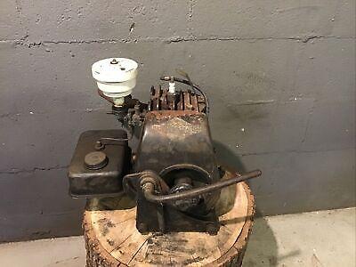 Vintage Hand Crank Start Cast Iron Horizontal Shaft Briggs Stratton Wi Engine