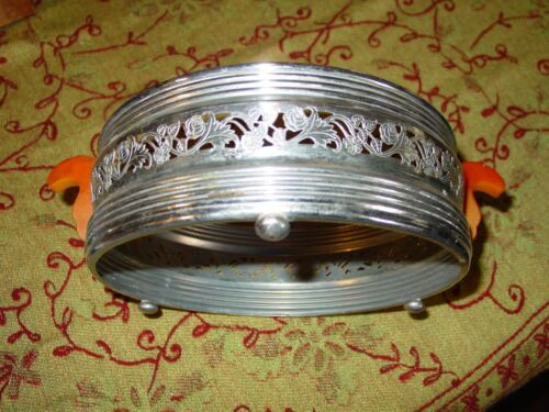 VINTAGE RUSKO WARE ROUND FILAGREE CHROME CASSEROLE BUTTERSCOTCH BAKELITE HOLDER