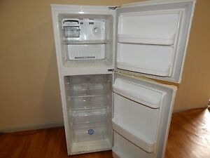 Lg electrocool 234L small fridge freezer SYD DELIVERY  AVAILABLE Windsor Hawkesbury Area Preview