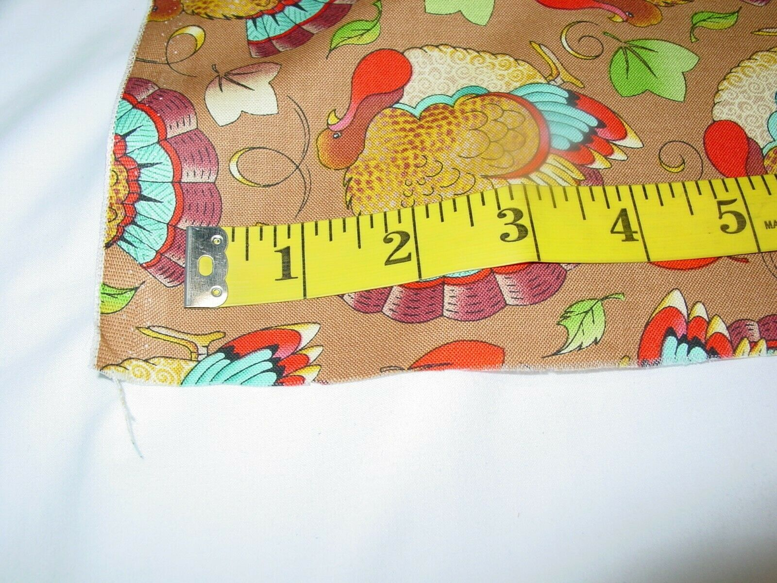 FABRIC TRADITIONS TURKEYS 100 COTTON REMNANT LENGTH 25 X WIDTH 42  - $9.50
