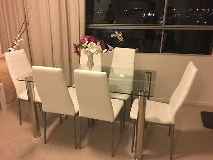 Modern Glass Dinning Table With 6 White Chairs