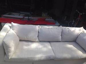 3 Seater White, Cream,  Lounge Northbridge Willoughby Area Preview
