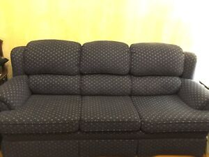 Vintage 3 seater couch - 100$ obo