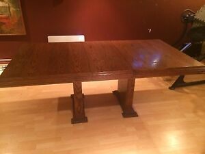 """Table a Manger /Dining Table 80.5"""" x 42.75"""""""