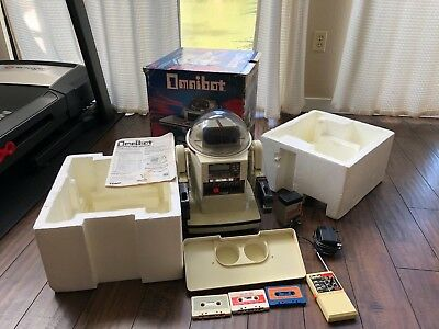 1984 5402 Tomy Omnibot Robot Complete w/ Box User Guide Controller Pad Foam Trey