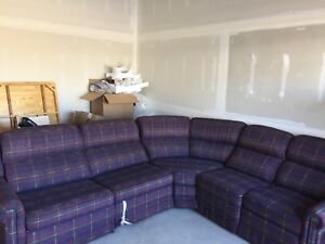 Lay z boy sectional couch and sofa bed