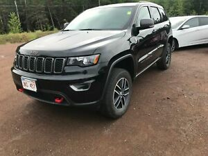 2017 Jeep Grand Cherokee Trailhawk- PUSH BUTTON STAR!HEATED SEAT