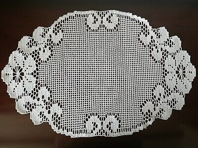 New hand crocheted flower and leaf design lace doily table runner 100% cotton.
