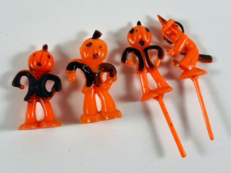 Lot (4) Vintage Halloween Cake Toppers Cupcake scarecrow witch toy