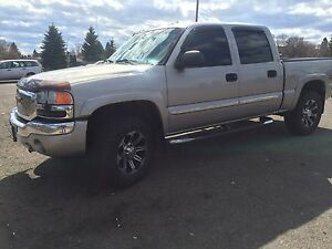 MUST SELL - 2005 GMC Sierra Z71 4x4