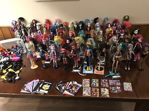 Monster High Doll LOT  SOLD!!!  57 dolls, stands & accessories