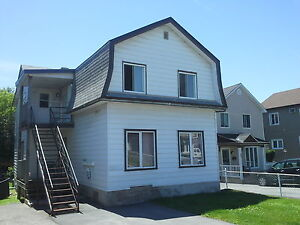 OCTOBER - ONE BEDROOM CLOSE TO QUEBEC UNIVERSITY