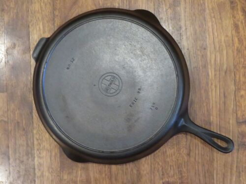 Griswold #12 Cast Iron Skillet With Small Block Logo & Heat Ring - Pattern 719 D