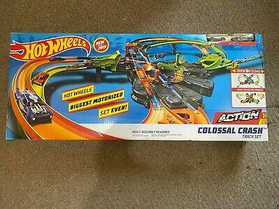 Hot Wheels GFH87 Colossal Crash Track Set