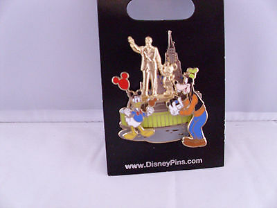 Disney   Donald   Goofy   Partners Statue   New On Card Character Trading Pin