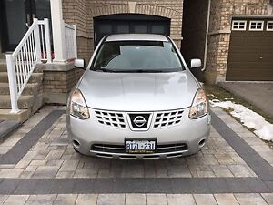 Nissan Rouge 2010 SUV cross over - Excellent condition