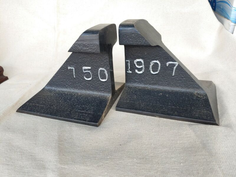 WESTERN PACIFIC 7501907 EMPLOYEE ESTATE Railroad Track Iron Bookends