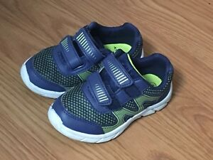 Blue toddler size 8 running shoes
