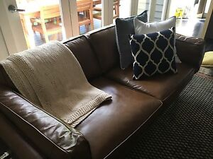 Freedom - Leather Current RRP $3299 DAHLIA 2.5 sofa near new Elwood Port Phillip Preview