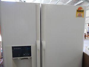 A402 ## FAULTY### Westinghouse double door fridge Windsor Hawkesbury Area Preview