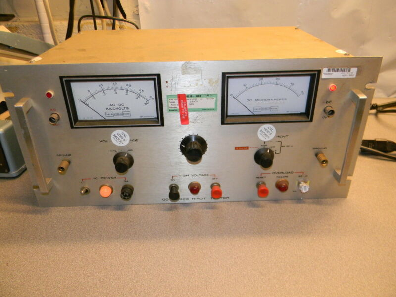 Hipotronics HD103 Hipot Insulation Tester, Output 0 - 2.5 kV AC; 0 - 3.0kV DC