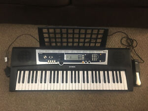 Yamaha 61 keys music keyboard