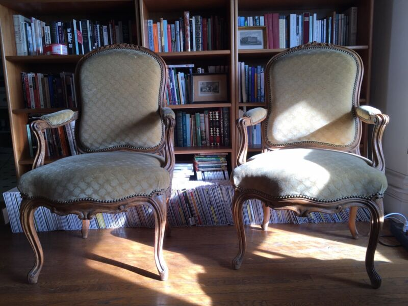 fauteuil Louis XV, Cabriolet Louis XV, French Armchairs