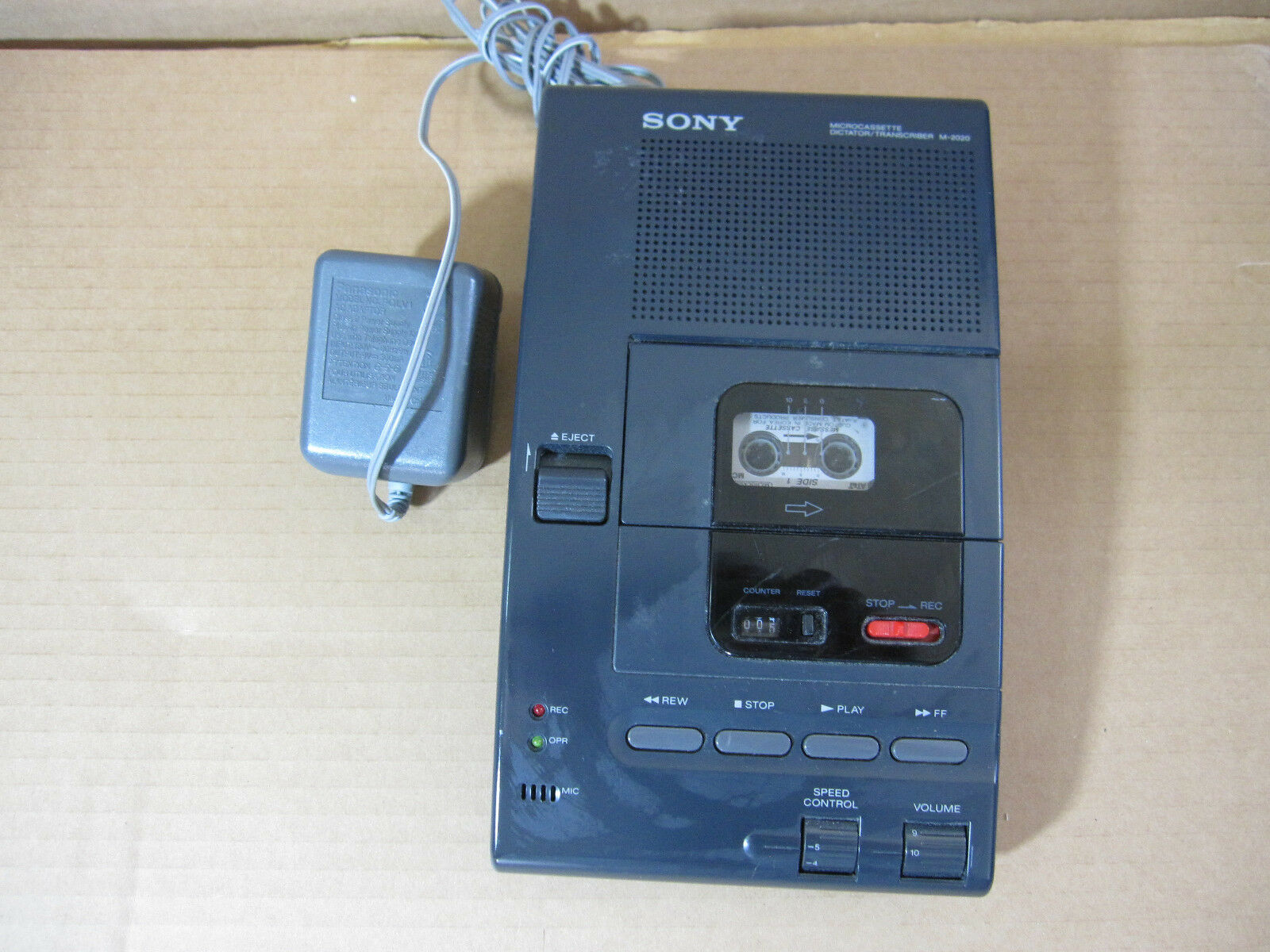 Sony M-2000 Microcassette Transcriber / Recorder with Power Adapter