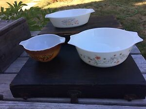 Vintage Pyrex  Bowls and Casseroles Collection
