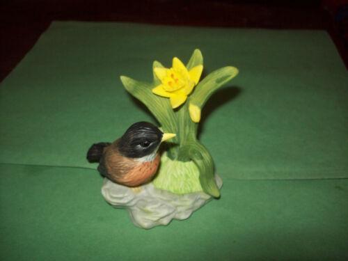 VINTAGE BIRD PORCELAIN FIGURINE- STAMPED AMERICAN ROBIN