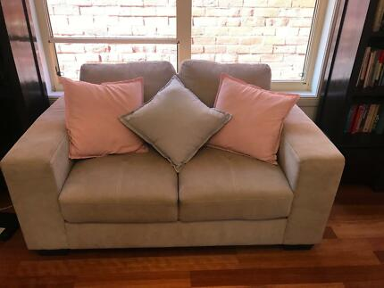 2 Seater Sofa Excellent Condition Nearly New