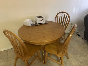 Buy Or Sell Dining Table Sets In Edmonton