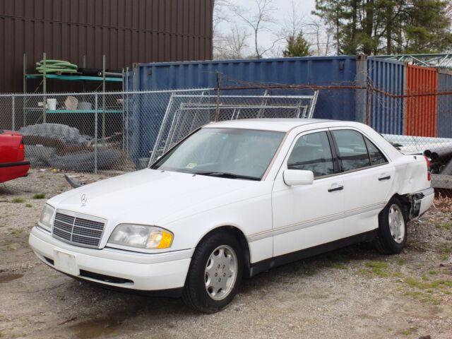 1995 mercedes c280 wrecked parts car or project car runs no reserve used mercedes. Black Bedroom Furniture Sets. Home Design Ideas