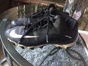 Youth Football cleats size 6